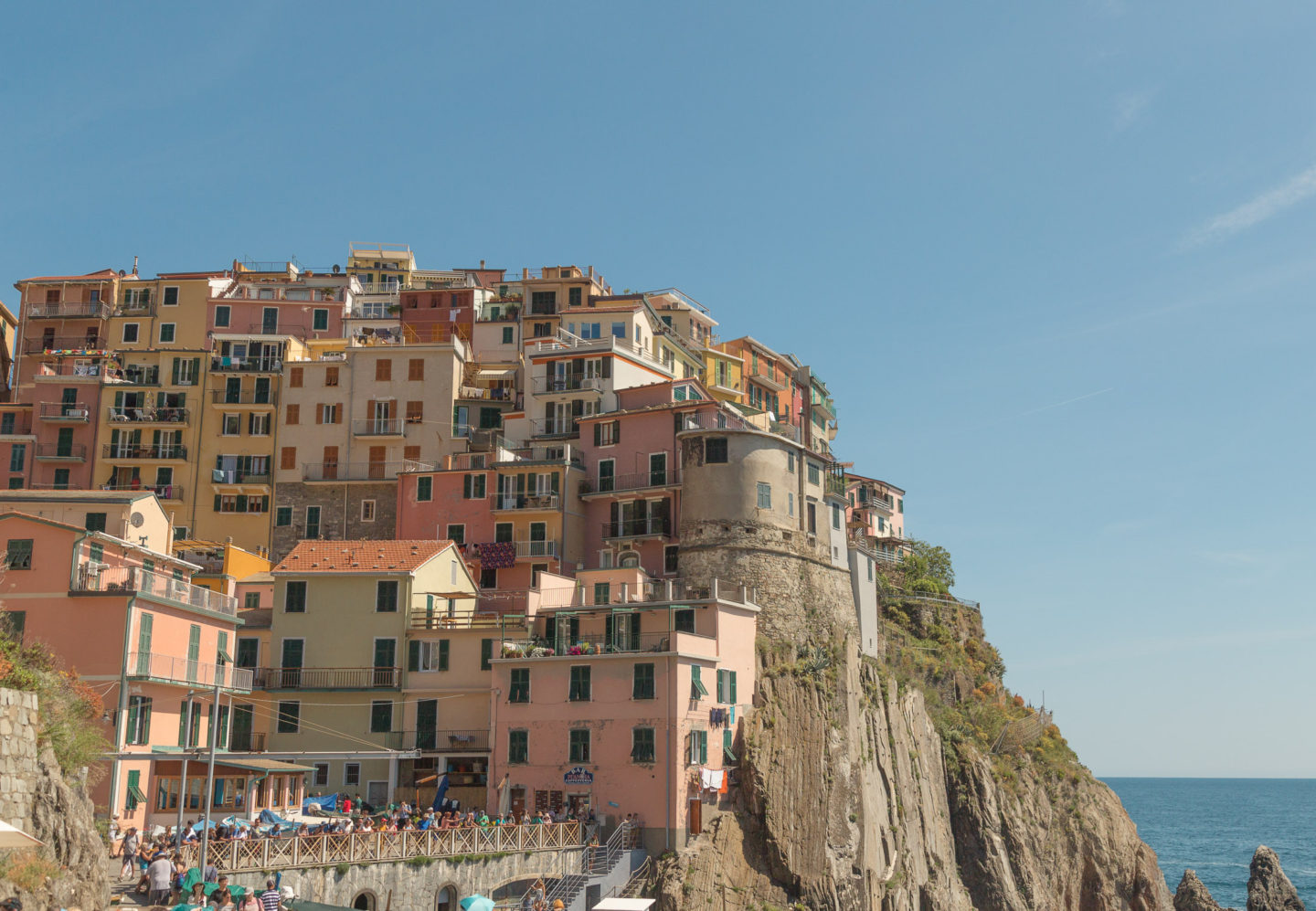cliffside view of Manarola -- colorful buildings
