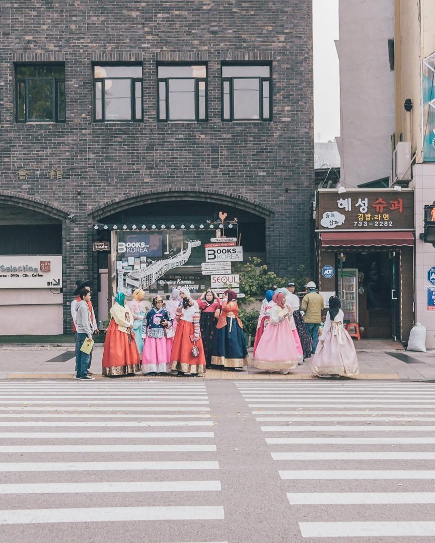 Hanbok wearers in Korea