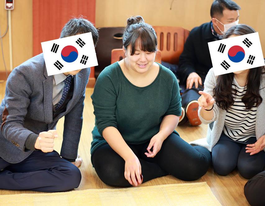 Yutnori, things to do in Korea