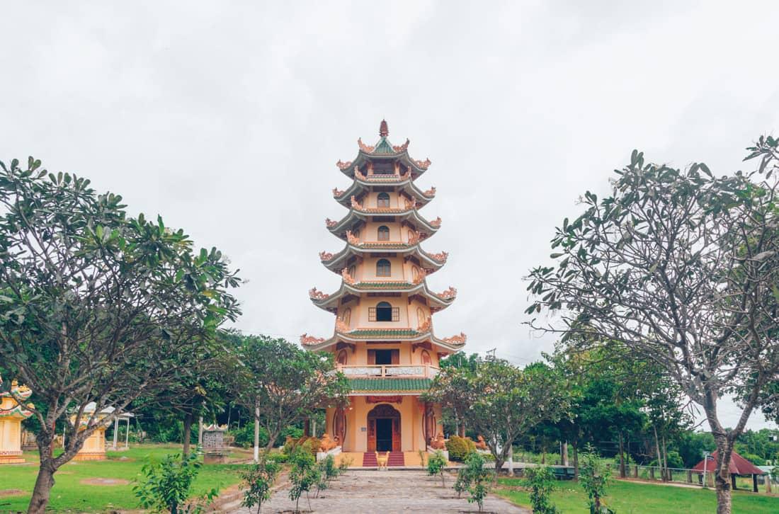 Linh Son Phuoc Trung tu, Ba Den, Vietnam