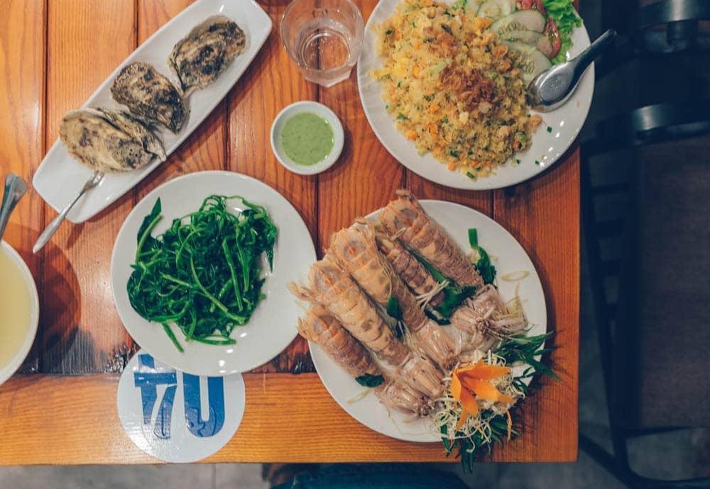 Phuong Nam Seafood, Halong City, Vietnam